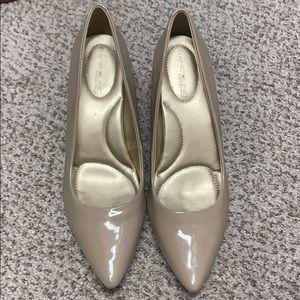 Nude 1.5 inch heel. New condition.